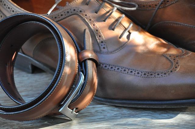 スーツスタイルを引き締める正しいベルトの選びの鉄則